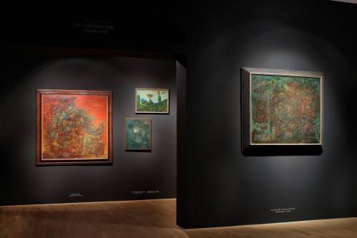 Výstava | Zdeněk Sklenář – Ať rozkvetou růže i broskvoně | 5. 6. –  9. 10. 2016 | (30.11. 17 06:27:34)