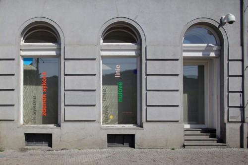 Exhibition | Zdeněk Sýkora: Null Lines | 4. 5. –  28. 5. 2011 | (4.12. 17 20:07:54)