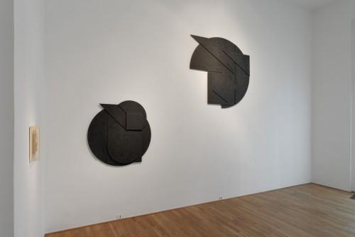 Výstava | Stanislav Kolíbal – Černé reliéfy | 19. 11. –  13. 12. 2008 | (5.12. 17 07:05:38)