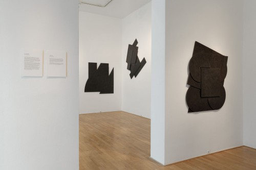 Exhibition | Stanislav Kolíbal: Black Reliefs | 19. 11. –  13. 12. 2008 | (5.12. 17 07:05:35)