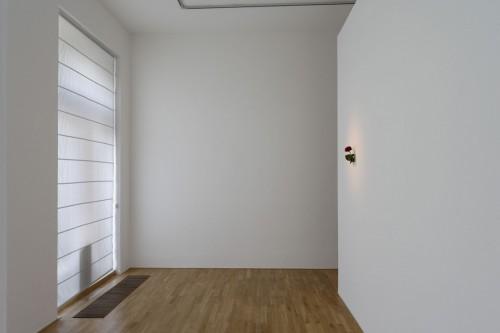 Exhibition | Jiří Kovanda: Golden Ring | 29. 5. –  28. 6. 2008 | (5.12. 17 19:12:53)