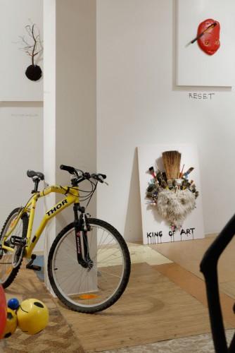 Výstava   Krištof Kintera – Jsem kus klacku natřenej na bílo (12.10. 18 14:15:42)