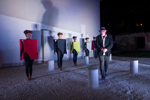 Výstava | Karyatidy pod Olivetskou horou  (8.10. 19 16:24:02)